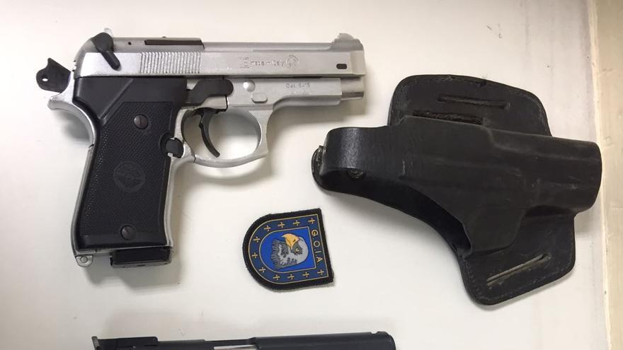 Pistolas incautadas al detenido por violencia de género en Las Palmas de Gran Canaria