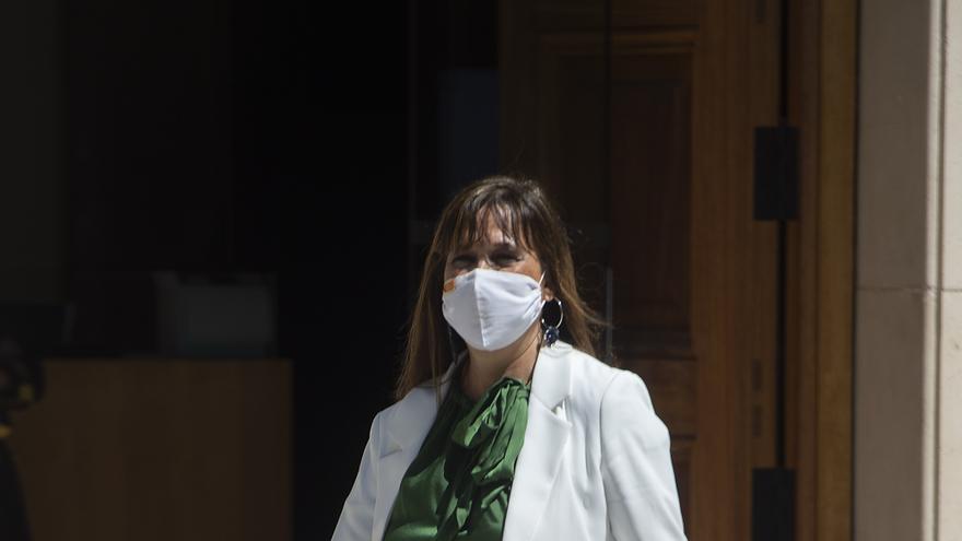 La consejera de Sanidad de la Diputación General de Aragón, Sira Repollés, a su llegada al primer Consejo Interterritorial del Sistema Nacional de Salud de carácter presencial desde que comenzó la pandemia, a 30 de junio de junio, en Madrid, (España).