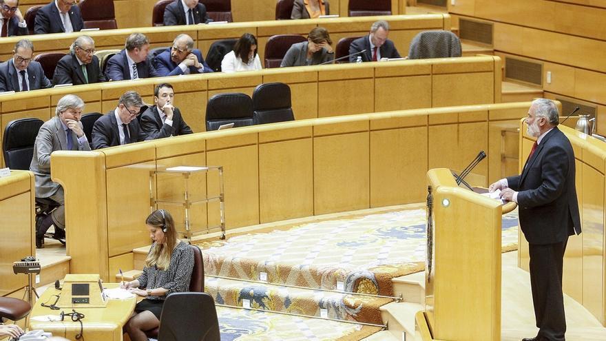 Ruiz reclama en el Senado coordinación de las ofertas de empleo entre comunidades autónomas