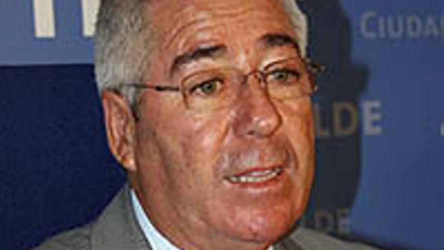 Paco Santiago.