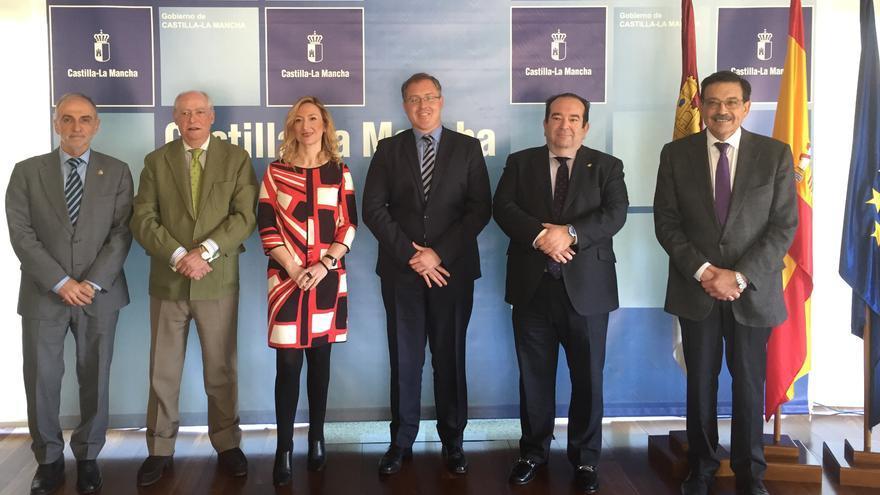 Reunión de la Junta con los decanos de abogados de la región / JCCM