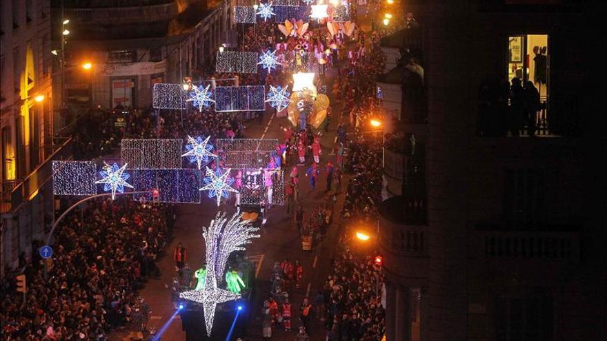 Unas 600.000 personas presencian la Cabalgata de Reyes en Barcelona
