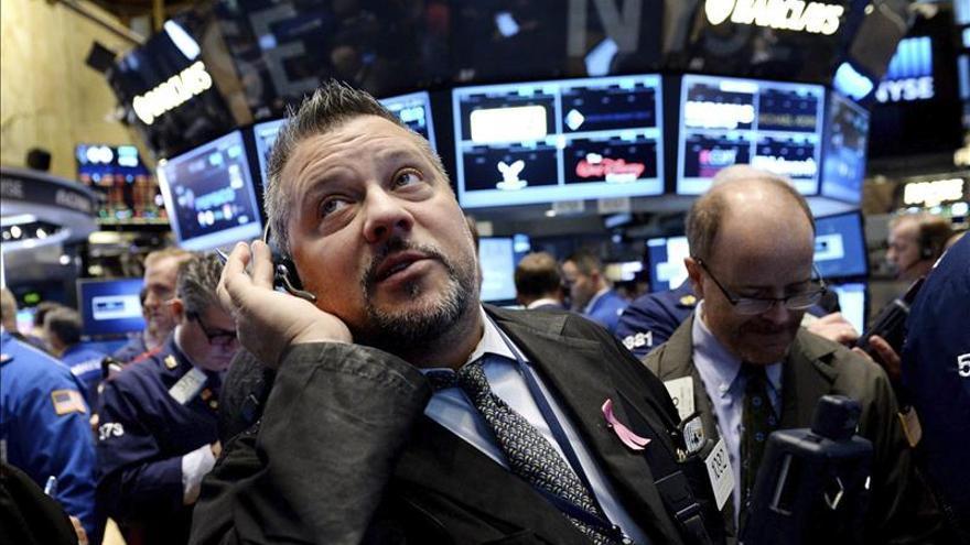 Wall Street abre con pérdidas y el Dow baja un 0,18 por ciento a la espera de la Fed