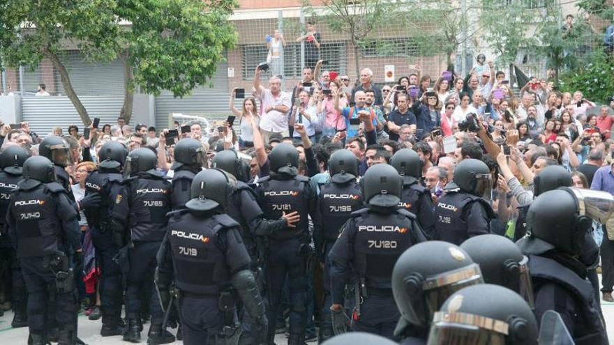 El TSJC dice que no se pueden considerar víctimas de delitos odio a los policías del 1-O