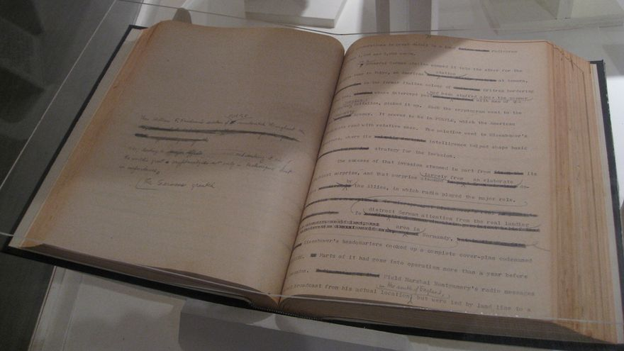 """Borrador original de """"The Codebreakers"""" de David Kahn. Museo Criptológico Nacional de Estados Unidos"""