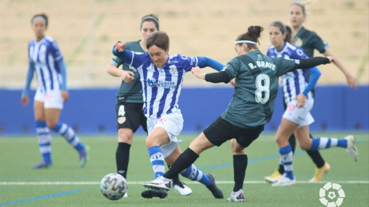 Claire Falknor, en un partido con el Huelva