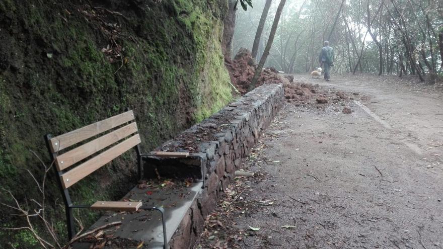 Estado en que se hallaba la pista estos días, con los derrumbes de piedras