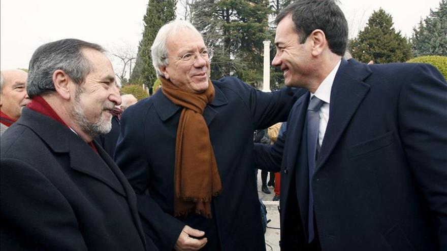 Los socialistas homenajean a Tierno Galván por compatibilizar política y ética
