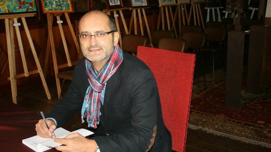 J.J. Rodríguez-Lewis es abogado y periodista. Foto: LA COSMOLÓGICA