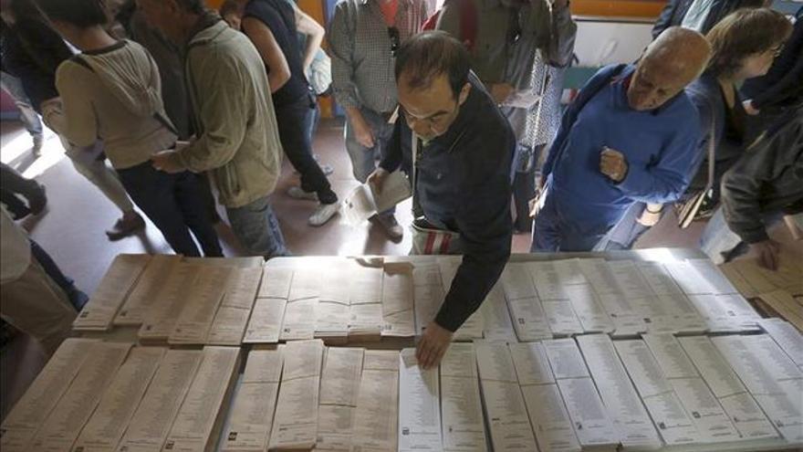 Votaciones en colegios electorales esta mañana