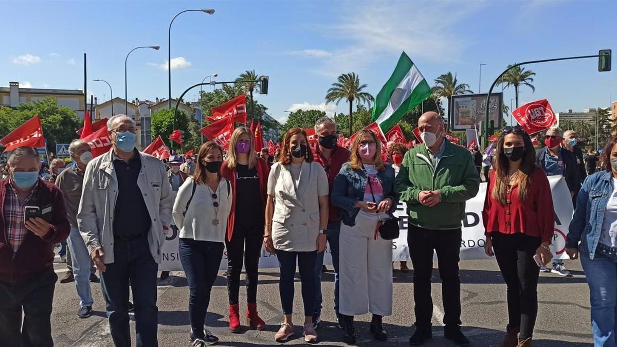 Los políticos socialistas en la manifestación del 1 de mayo.