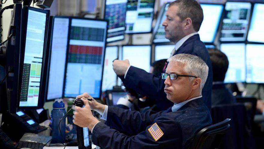 Wall Street abre con fuertes ganancias y el Dow Jones sube un 1,81 por ciento