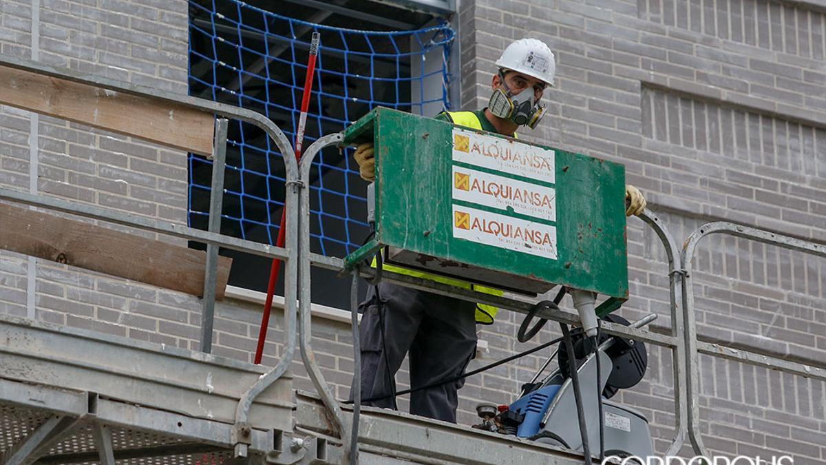 Un obrero de la construcción