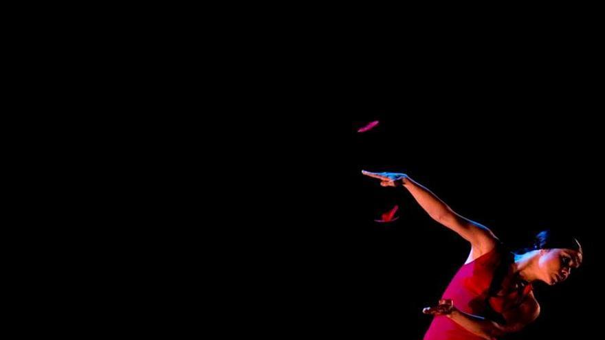 """La bailaora Olga Pericet crea un """"mosaico"""" de su carrera con """"De una pieza"""""""