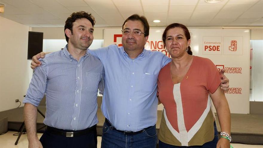 """Ximo Puig y Fernández Vara destacan la """"madurez"""" de la militancia socialista"""