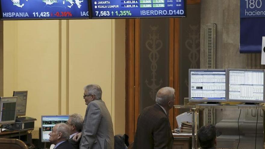 La bolsa española abre con leves alzas y el IBEX sube un 0,06 por ciento