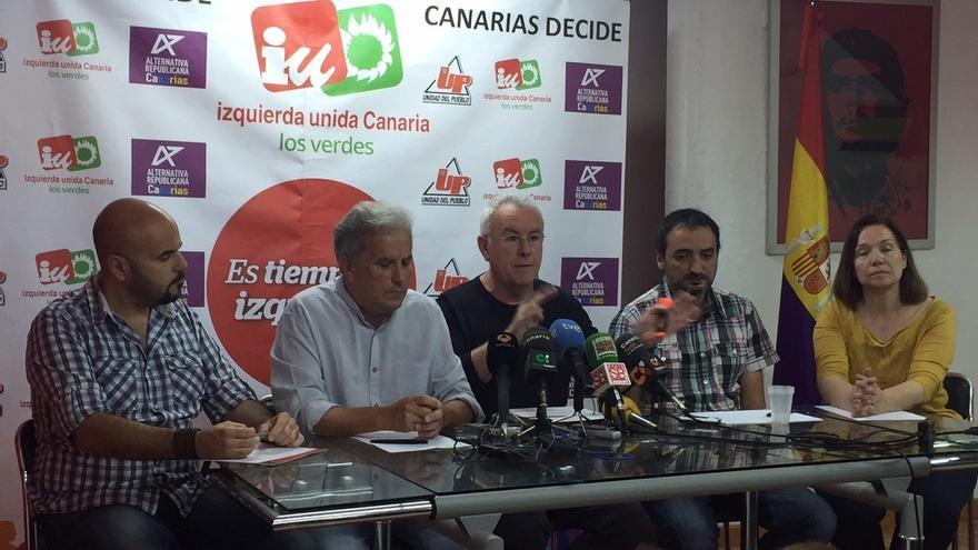 """Cayo Lara lamenta que el PP vaya a irse """"de rositas"""" de la """"mayor trama de corrupción"""" de la democracia"""