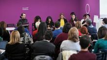 La dirigente de Podemos Irene Montero se dirige a los líderes autonómicos del partido en una reunión de campaña este sábado.