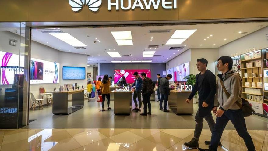 China y EEUU se enzarzan por exclusión de Huawei en un nuevo capítulo de fricciones