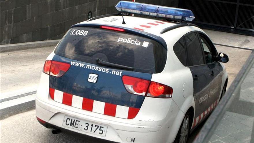 Desmantelado un punto de venta de droga en Barcelona con tres detenciones