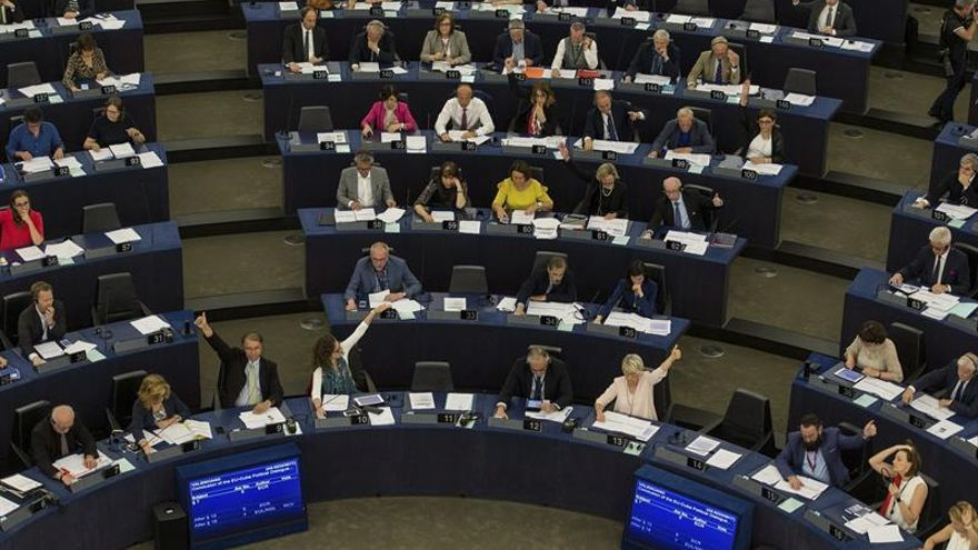 Eurodiputados piden reforzar la cooperación con Latinoamérica y el Caribe