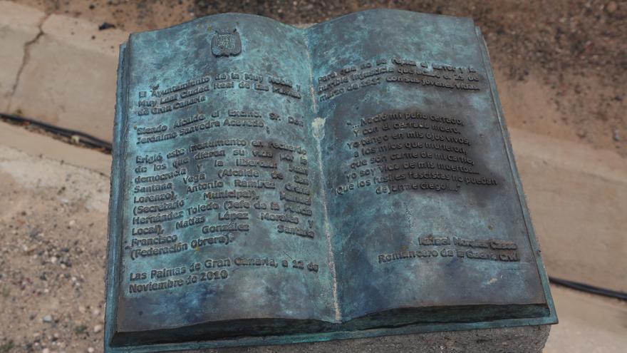 Homenaje a los '14 claveles rojos' de San Lorenzo (Alejandro Ramos)