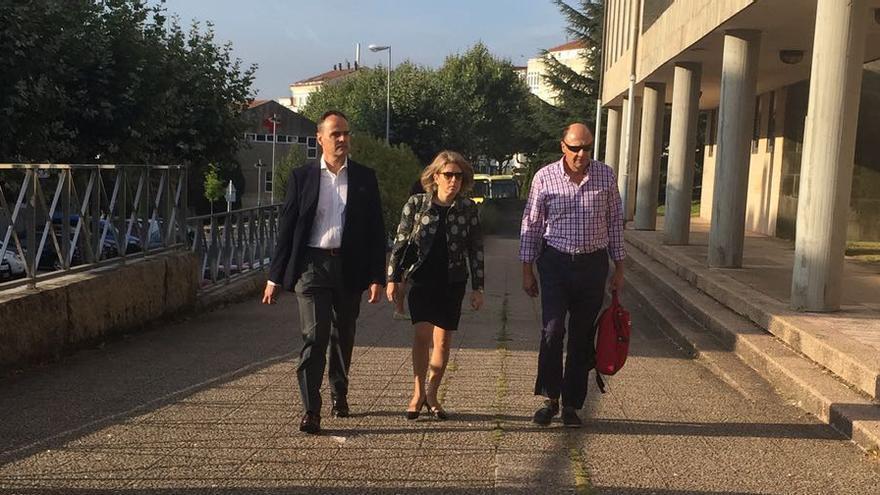 Peritos de Adif ratificaron este viernes en el juzgado los peritajes en los que aseguran que la línea de AVE Ourense-Santiago cumplía la normativa