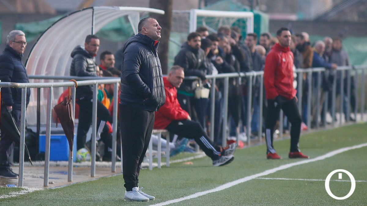 Javi Moreno, en su etapa como entrenador del Pozoblanco.