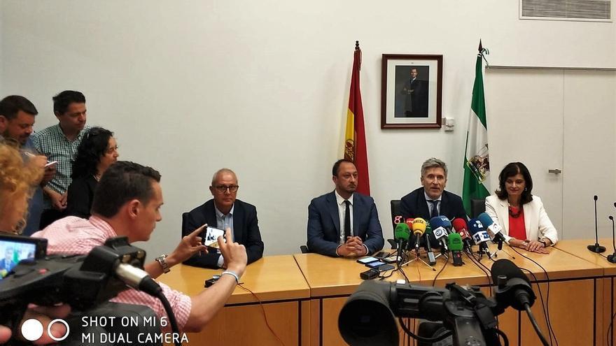 El ministro Marlaska se desplaza a Algeciras para supervisar el dispositivo para la atención a inmigrantes