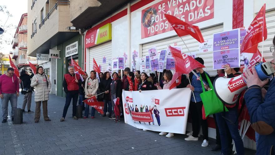 Paros a las puertas de uno de los supermercados en la ciudad de Albacete.