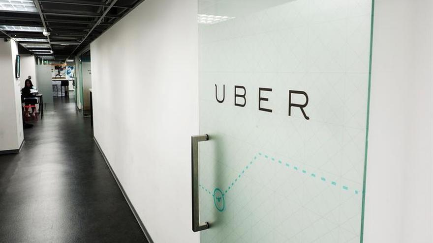 """Uber pide disculpas por los """"errores"""" tras la retirada de su licencia en Londres"""