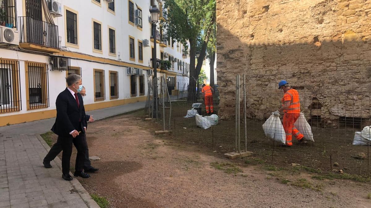 Salvador Fuentes visita la zona de los trabajos