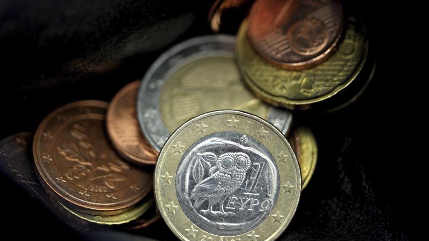 El euro baja en la apertura a 1,3039 dólares en Fráncfort