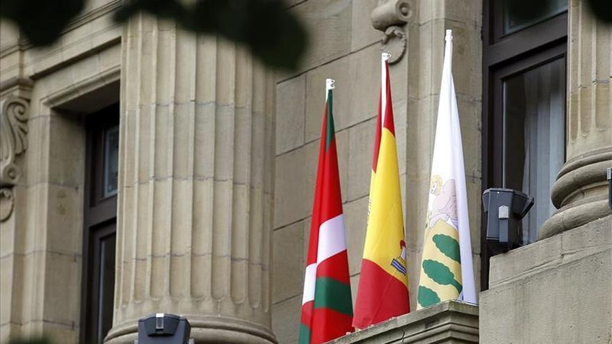 La Diputación de Gipuzkoa coloca la bandera española en su balcón central