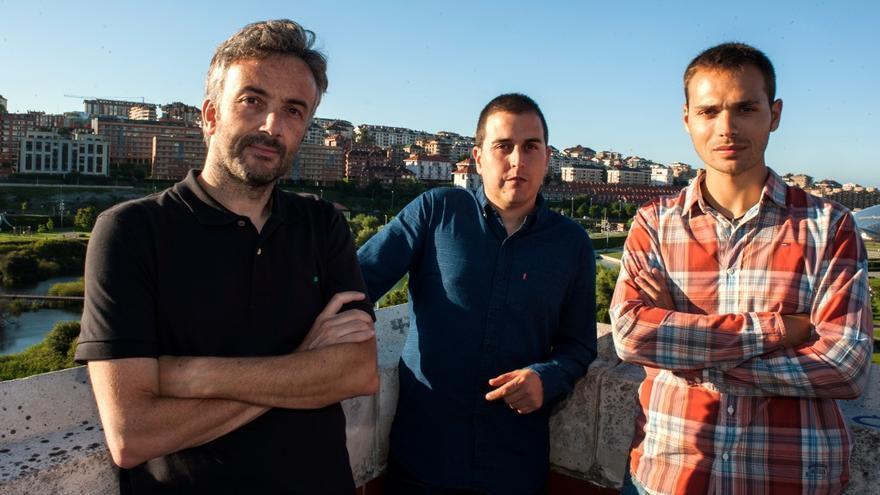 Andrés Hermosa, Laro García y Rubén Vivar, máximos responsables de eldiario.es Cantabria.   Foto: JOAQUÍN GÓMEZ SASTRE