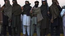 EEUU se sienta a negociar con los talibanes, que han aumentado en un 50% su control sobre Afganistán
