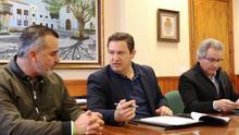José Julián Mena, alcalde de Arona, en la firma sobre el inicio de la redacción del PGO