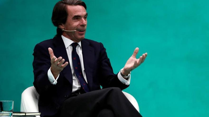 González y Aznar alertan de la falta de centralidad en la política española