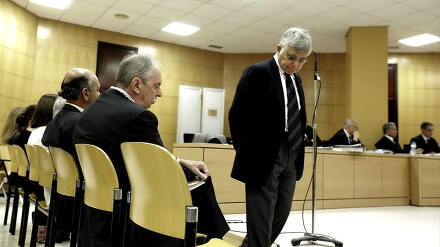 El exconcejal de Urbanismo del Ayuntamiento de Santa Cruz, Manuel Parejo, en un momento del juicio./ EFE (Ramón de la Rocha)