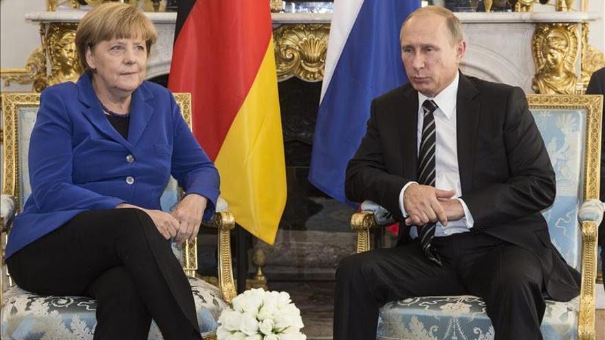 Putin, Poroshenko, Merkel y Hollande tratan de las elecciones en el Donbass