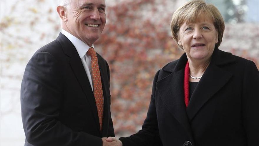 Merkel reclama de nuevo un reparto justo de refugiados en la UE