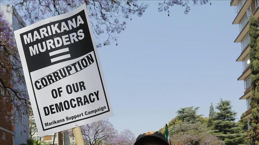 """Sudáfrica se manifiesta contra la corrupción """"masiva"""" de su Gobierno"""