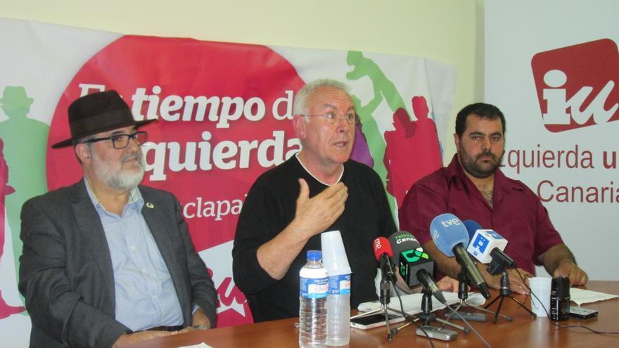 Cayo Lara ofreció una rueda de prensa este martes en la sede de CCOO. Foto: LUZ RODRÍGUEZ.