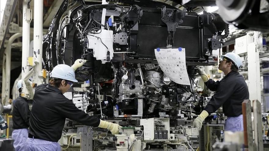 La industria facturó en 2014 un 1,7 % más y aumentó la inversión un 1,3 %