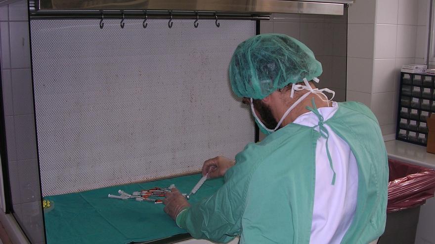 Tres de cada cuatro enfermeras andaluzas han sufrido un accidente biológico, según un barómetro realizado por Satse