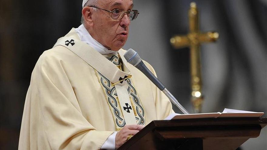 """El Papa pide """"vencer el miedo"""" y continuar acogiendo a los inmigrantes"""