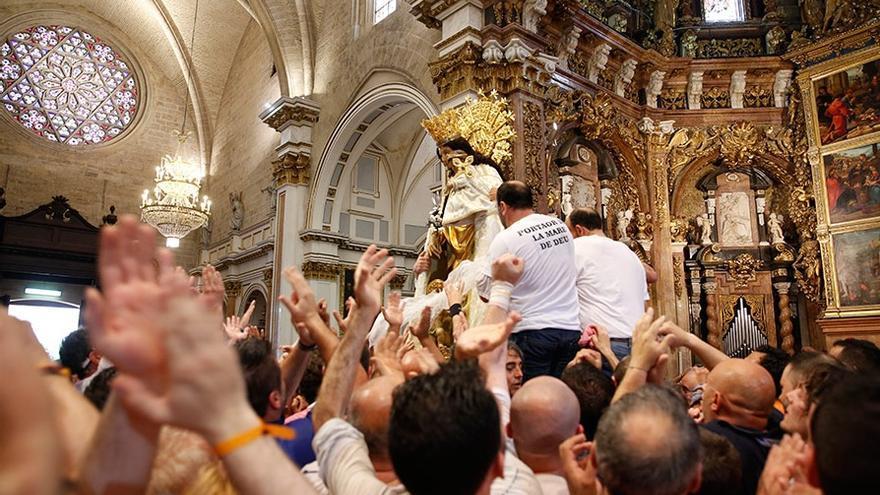 El PP pone a la Virgen entre los máximos símbolos valencianos