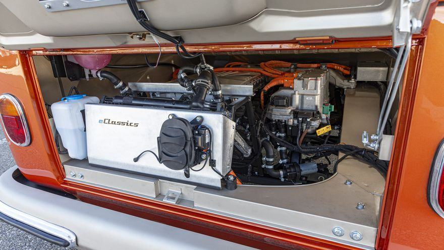El VW e-Bulli monta un motor eléctrico de 81 caballos de potencia.