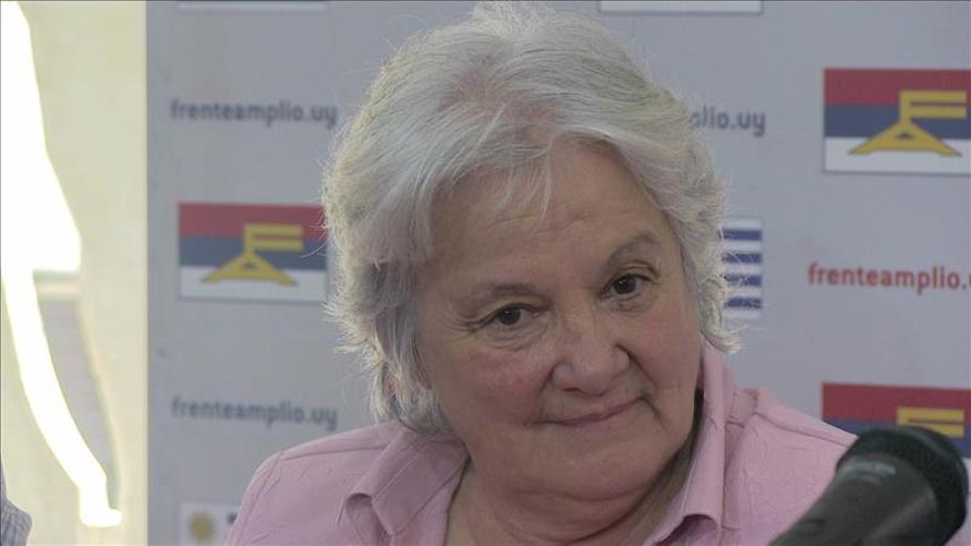Lucía Topolansky lidera la apertura del Senado a la espera de José Mujica