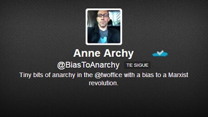 Anarquía, la cuenta 'fake' de Dick Costolo (Imagen: HojaDeRouter.com)